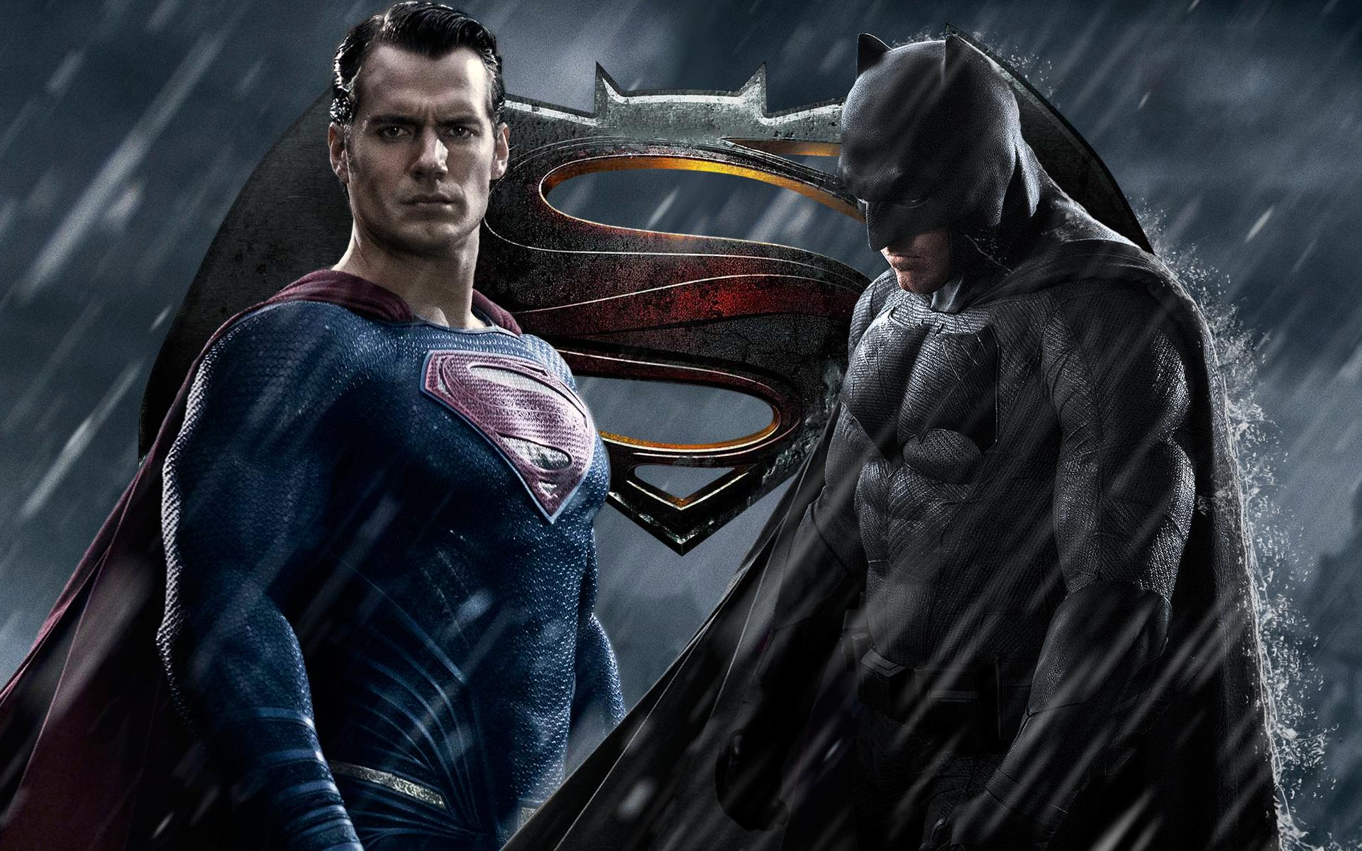 Batman v Superman Trailer 11 Minute Combo – Must See